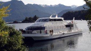 catamaran cau cau - terra argentina tailor made tours
